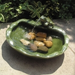 Smart Solar Ceramic Frog Garden Water Feature Fountain